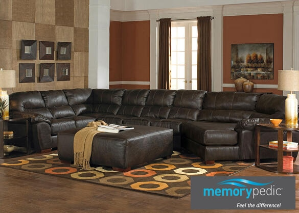 Liam Godiva 3 Pc. Sectional w/Cuddler Chaise & Armless Loveseat