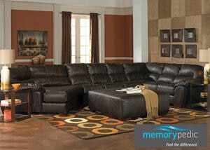 Liam Godiva 3 Pc. Sectional w/Cuddler Chaise (Reverse)