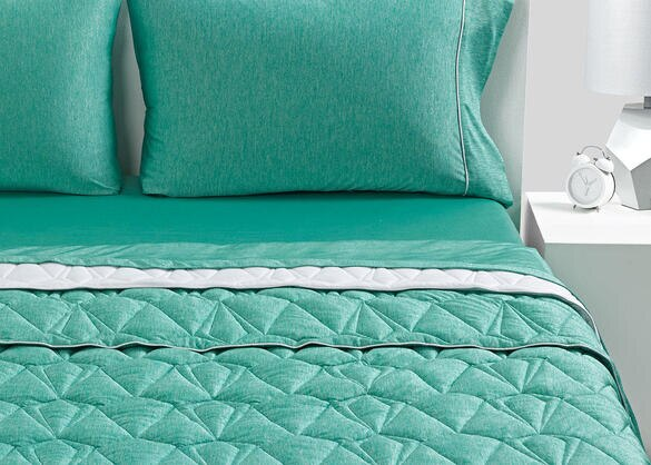 BEDGEAR Jade Medium Warmth Ver-Tex Climacore Blanket